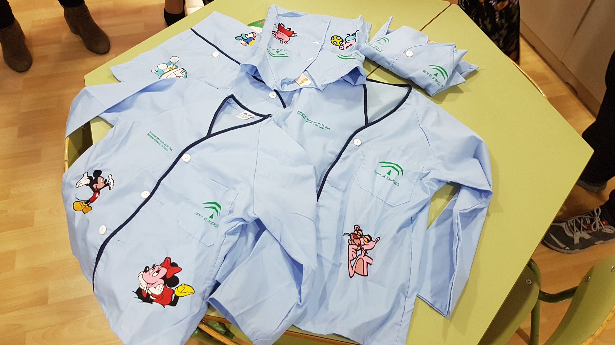 56b867279 Los niños hospitalizados del San Juan de la Cruz ya disponen de pijamas  personalizados con sus personajes de dibujos favoritos